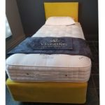 Vispring 90x200cm Regal Superb Mattress and Divan Zip and Link with Headboard – EX DISPLAY – Firm Tension